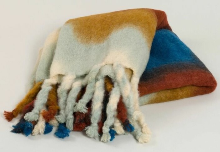 Mohairfilt med tie dye mönster.