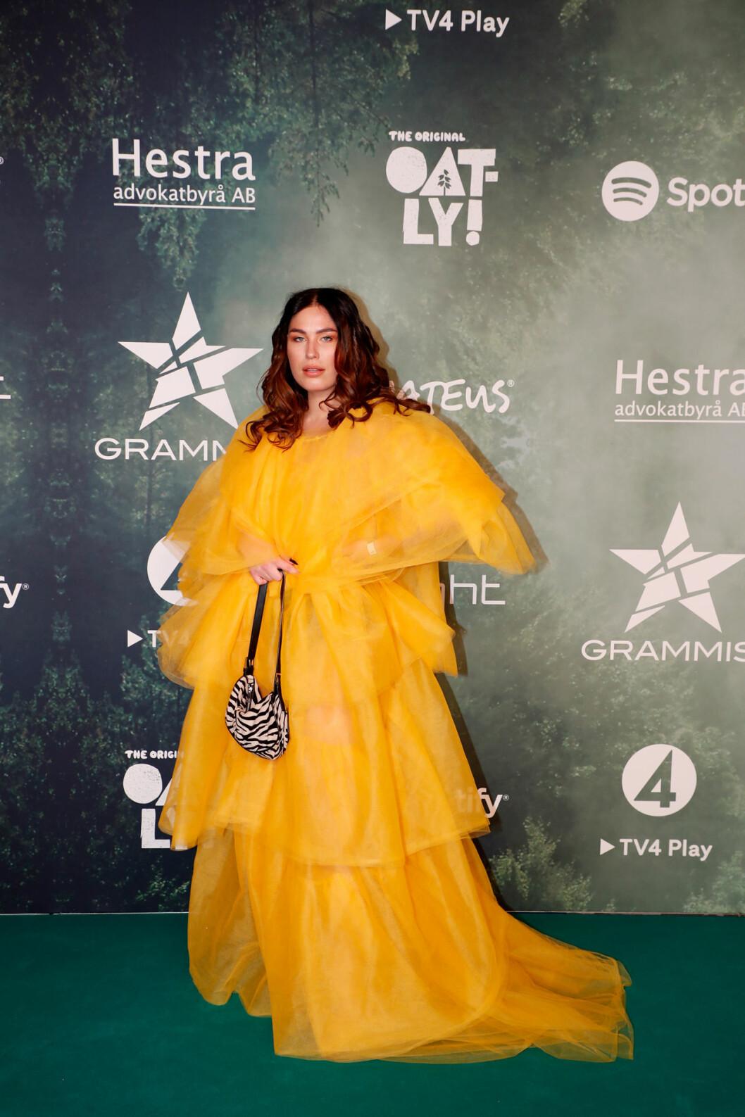 Molly Hammar på röda mattan på Grammisgalan 2020