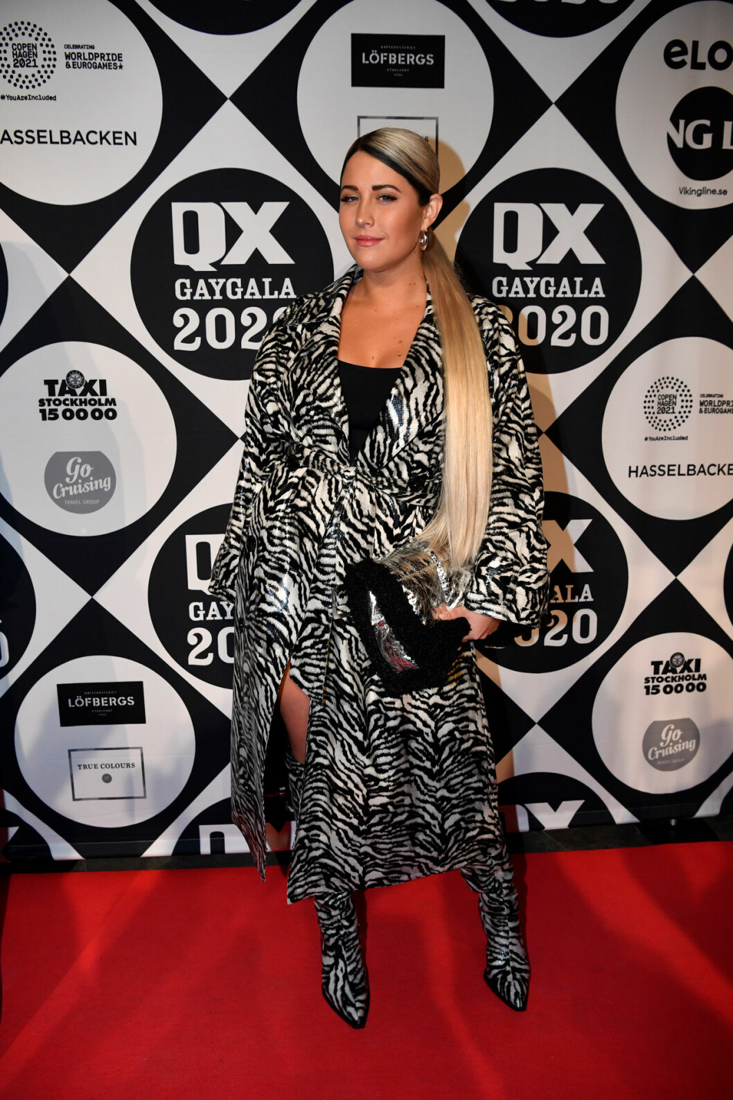 Molly Sandén på röda mattan på QX-galan 2020