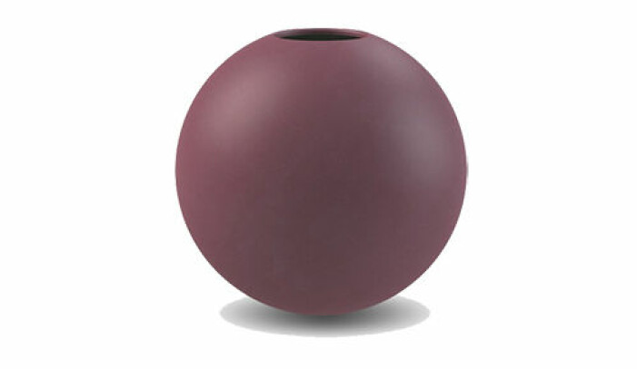 mörkröd vas från cooee
