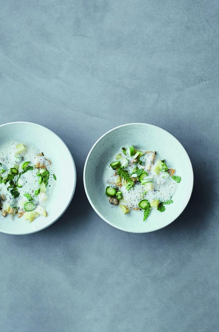 Recept på musselsoppa med sparris och körvel