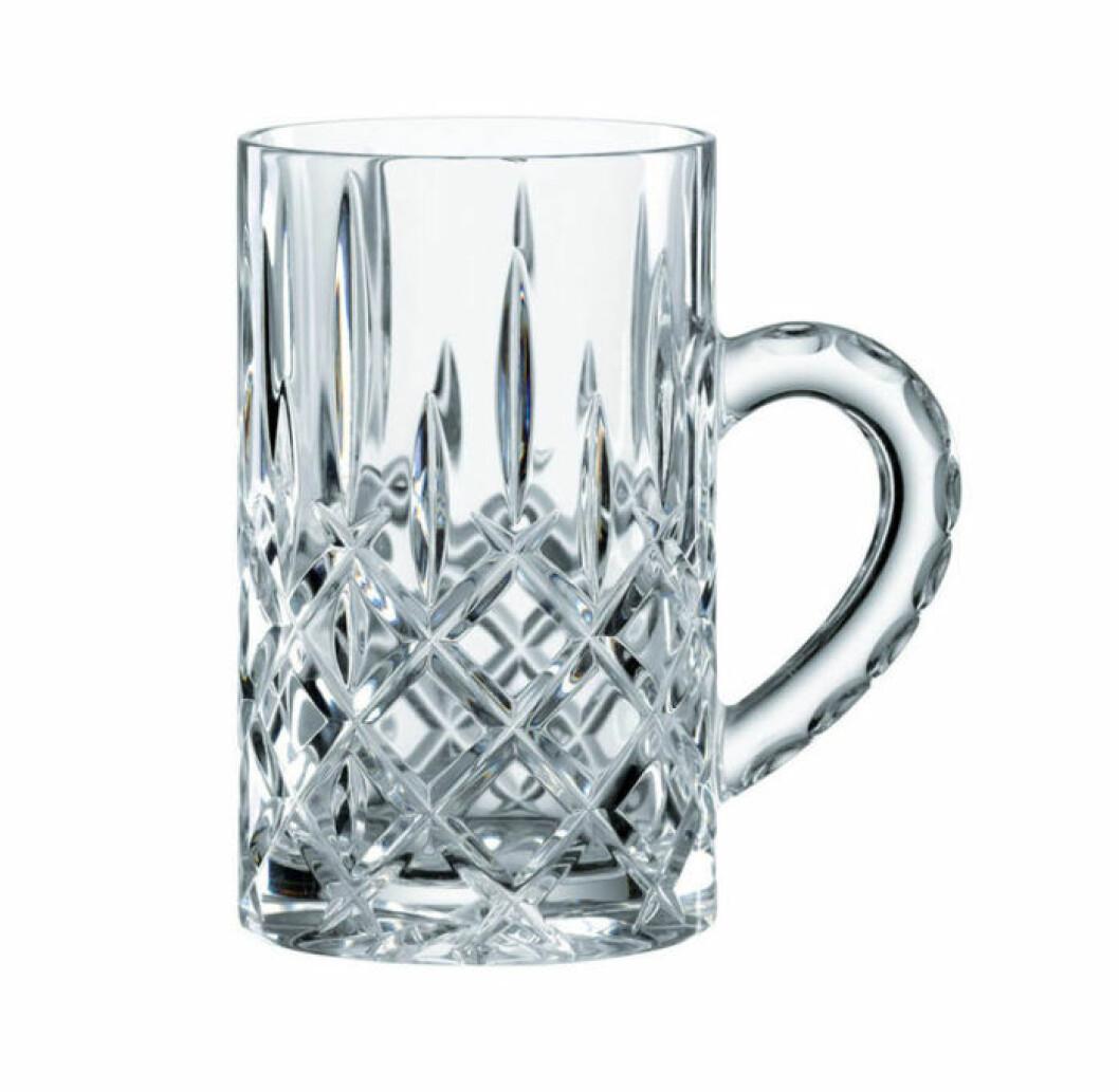 En elegant glöggmugg i slipad kristall från Nachtmann.