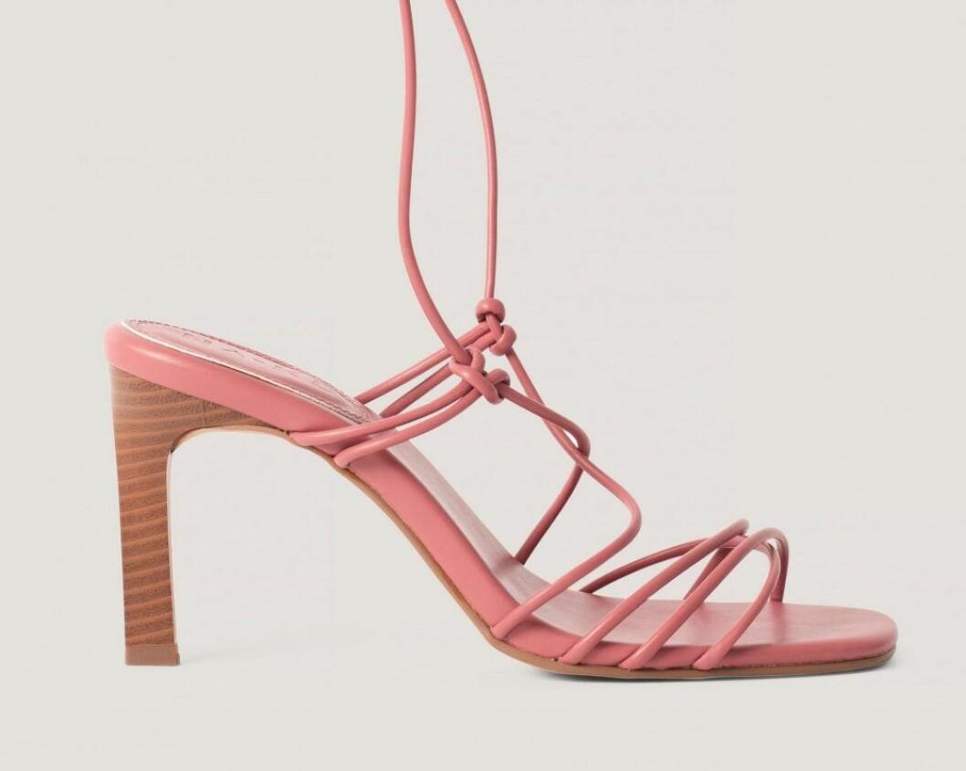 rosa sandalett med långa smala band från nakd