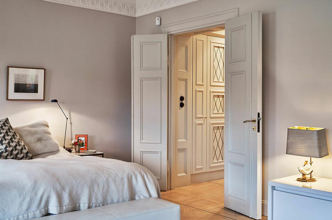 sovrum och garderob hos Nathalie Schuterman