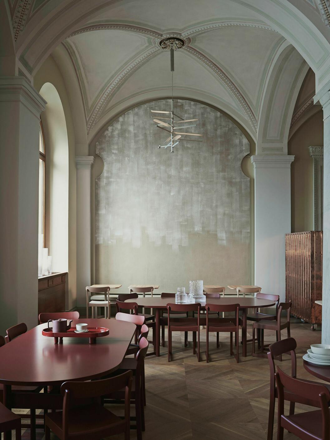 All inredning i restaurangen är nydesignad och tillverkad i samarbete med svenska designföretag.