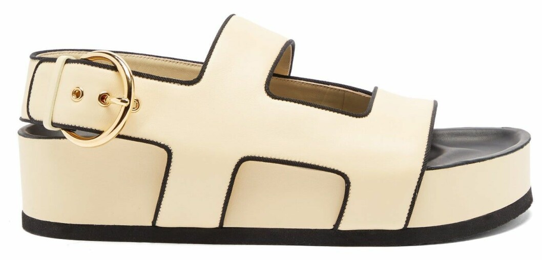 beige sandal från Neous i chunky modell.