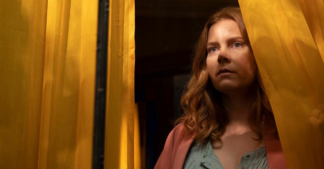 Stillbild från Kvinnan i fönstret på Netflix