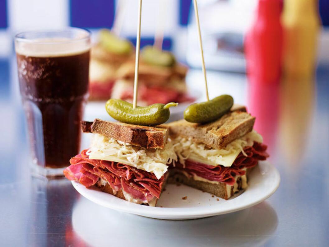 New York-sandwich med pastrami och surkål.