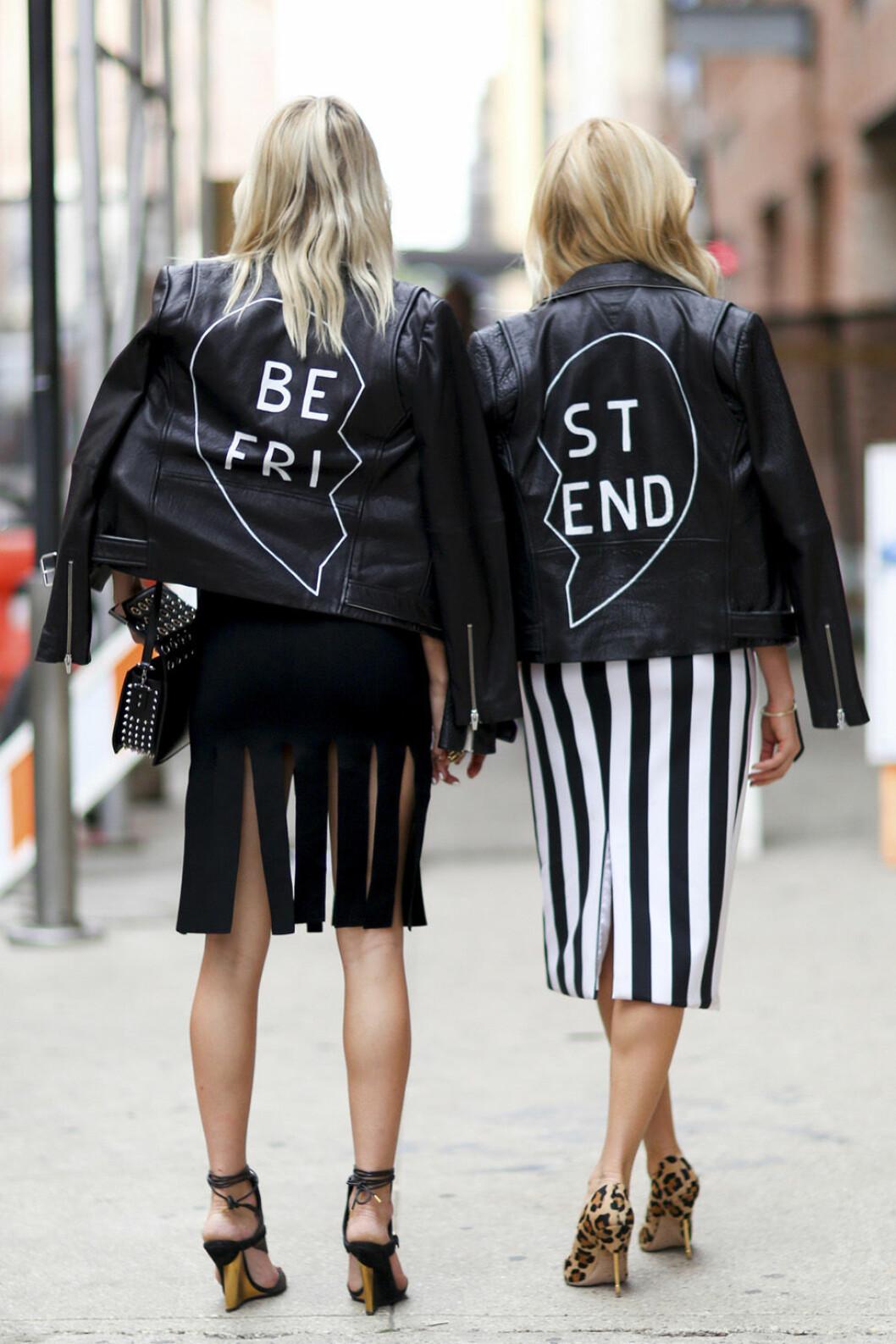 Skinnjackor med texten best friends.