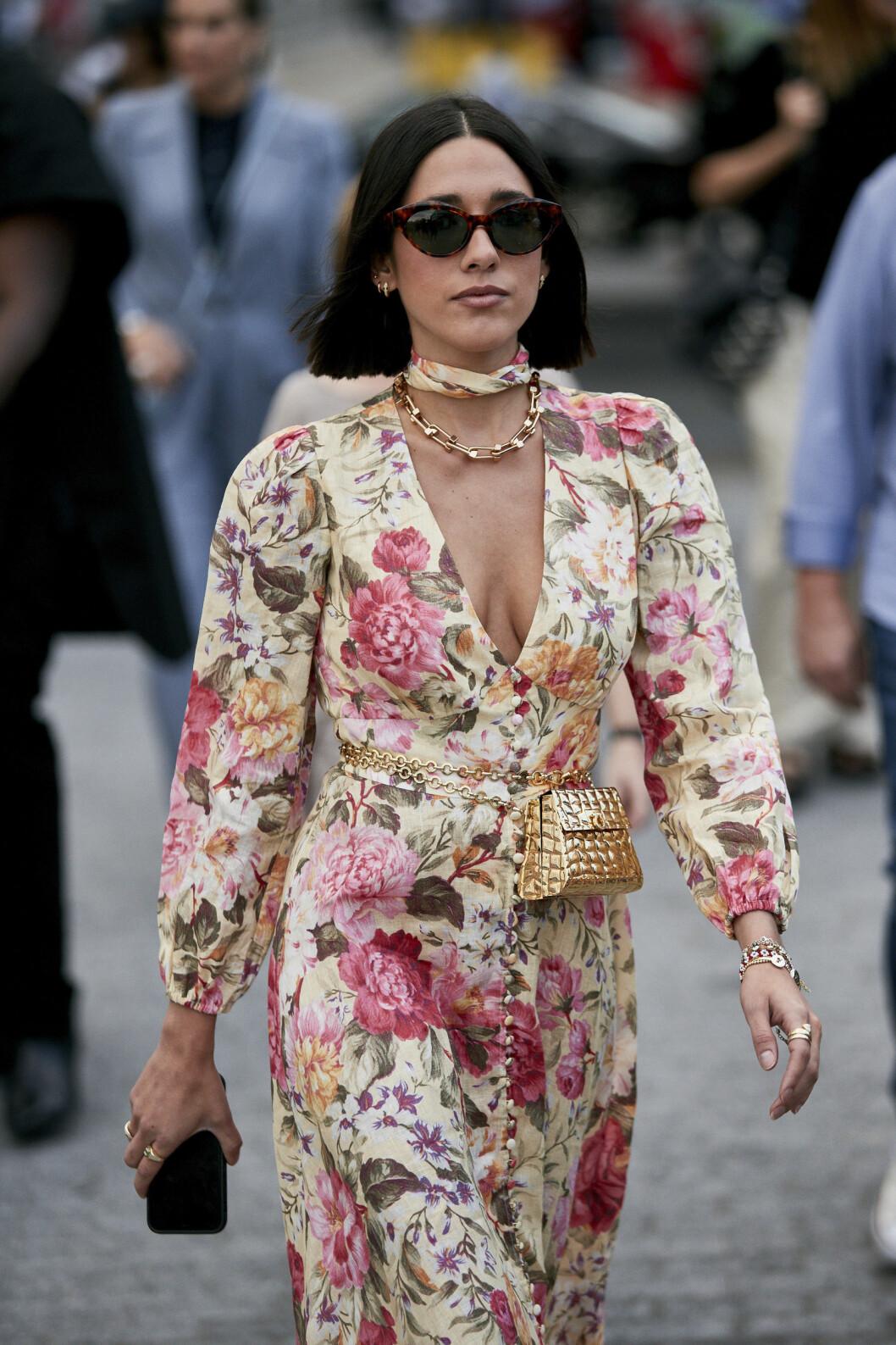 blommig klänning streetstyle.