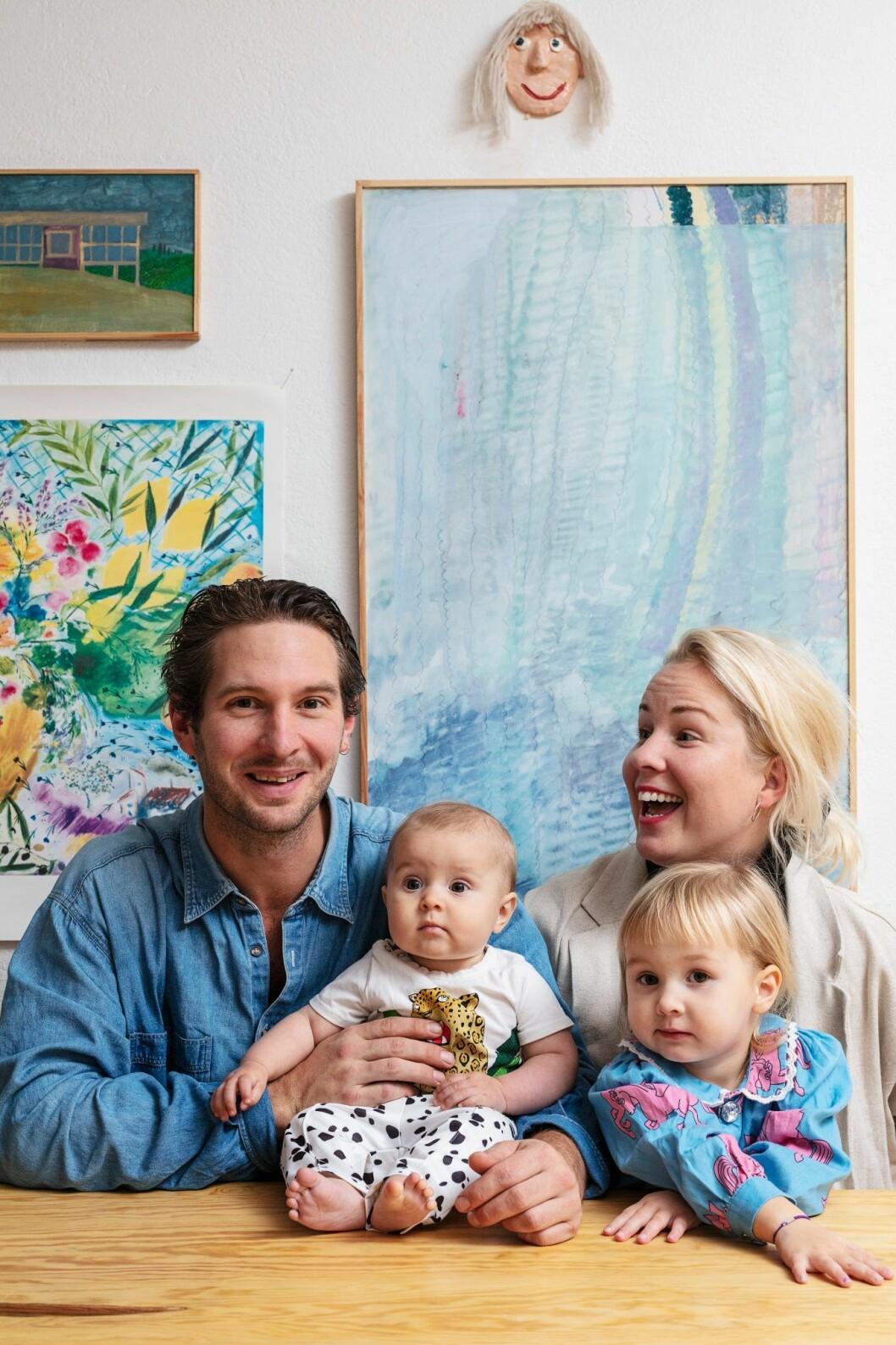 Niclas Runesson och Felicia Wide med familj