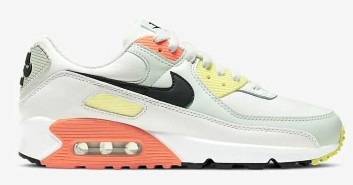färgglada sneakers från Nike i gul, orange och mintgrönt.