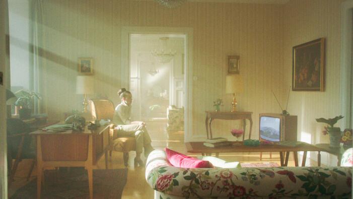 Nina hemma i lägenheten i Vår tid är nu.