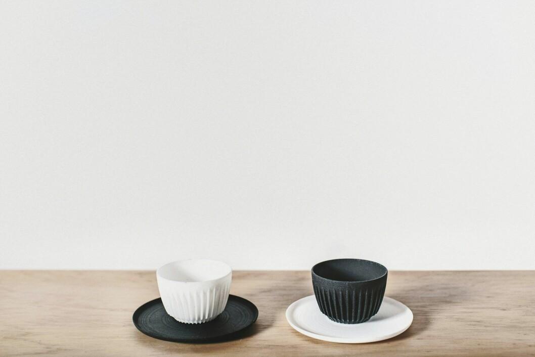 Kaffemuggar gjorda av kaffeskal