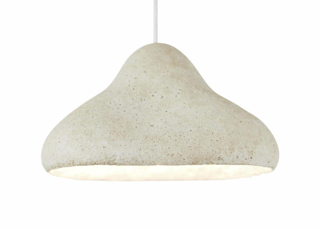 Svamp som material bakom en lampa