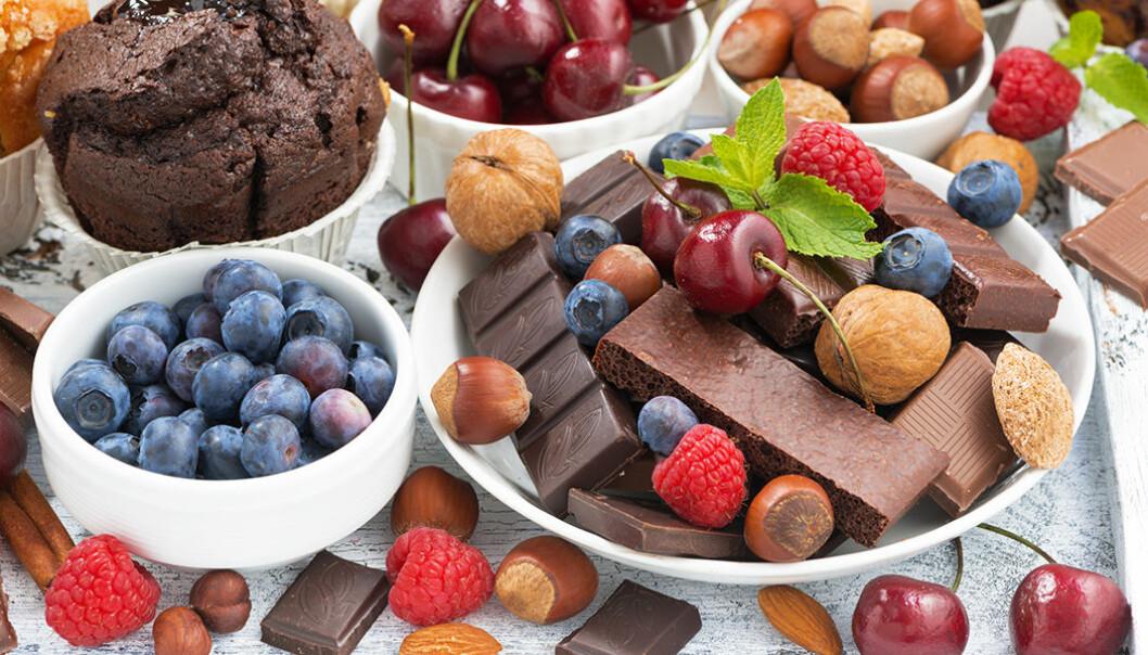 Choklad, nötter, frukt och bär är nyttigt.