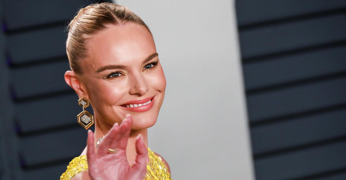 Kate Bosworth ler på röda mattan