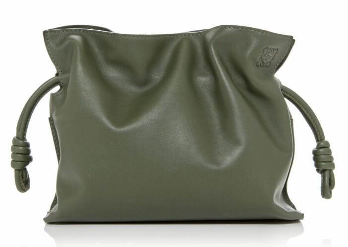 olivgrön väska från Loewe.