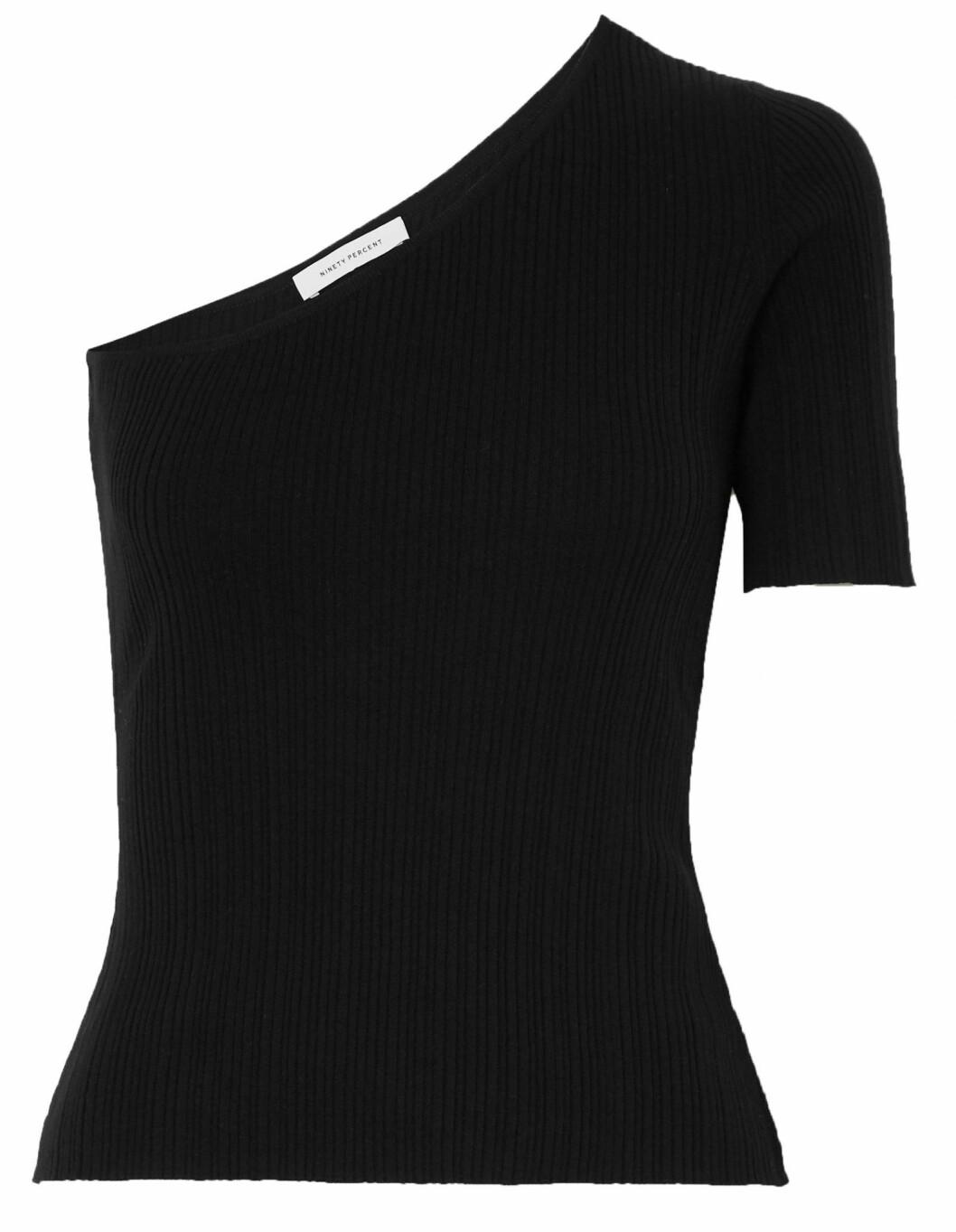 Enaxlad tröja i ribbstickat uttryck från Ninety percent.