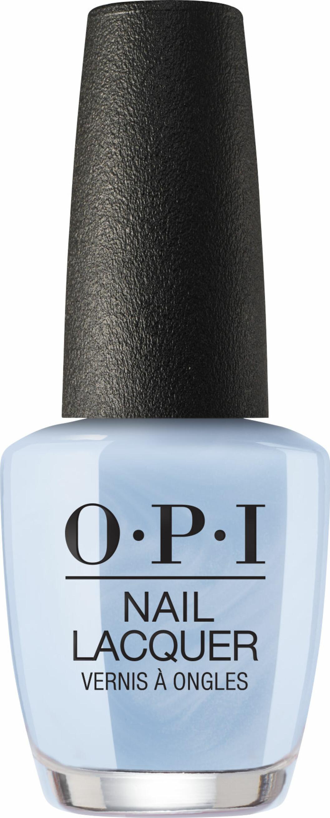 Babysteps med babyblått nagellack i färgen Did you see those mussels från OPI.