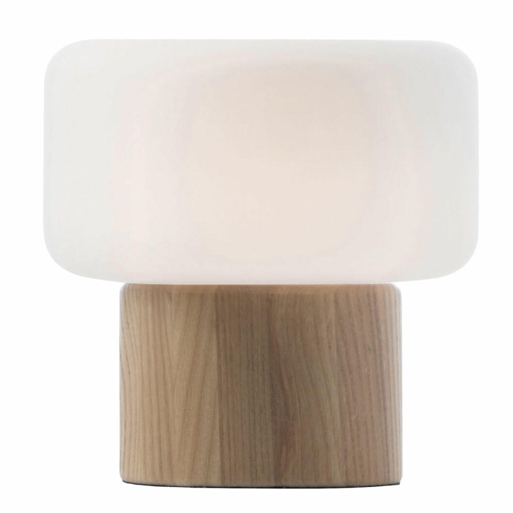 Oscar bordslampa från Watt & Veke