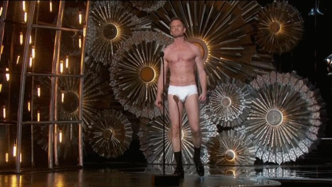 oscars-gifs-neil-patrick-harris-underwear (1)