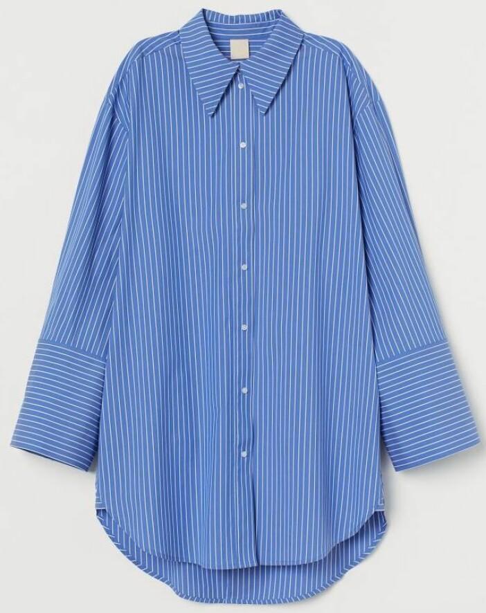 Oversized blå skjorta från H&M.