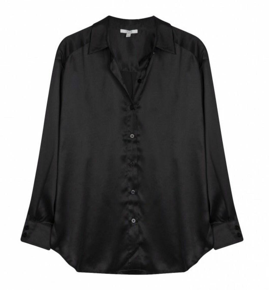 Svart oversized skjorta i 100% silke från House of Dagmar.