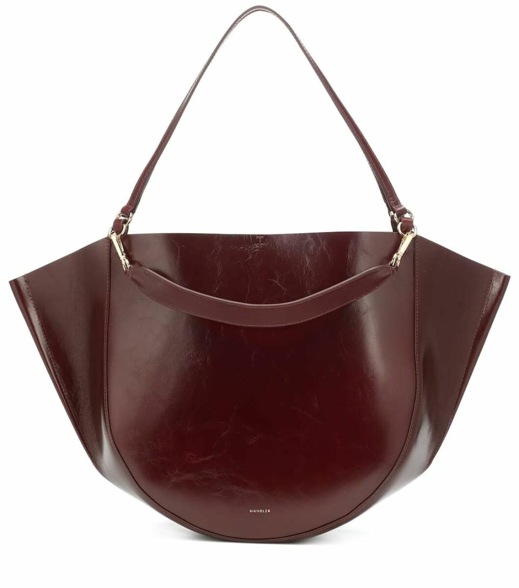Wandler uppdaterar sin klassiska Mia-väska med nya nyanser gång på gång.