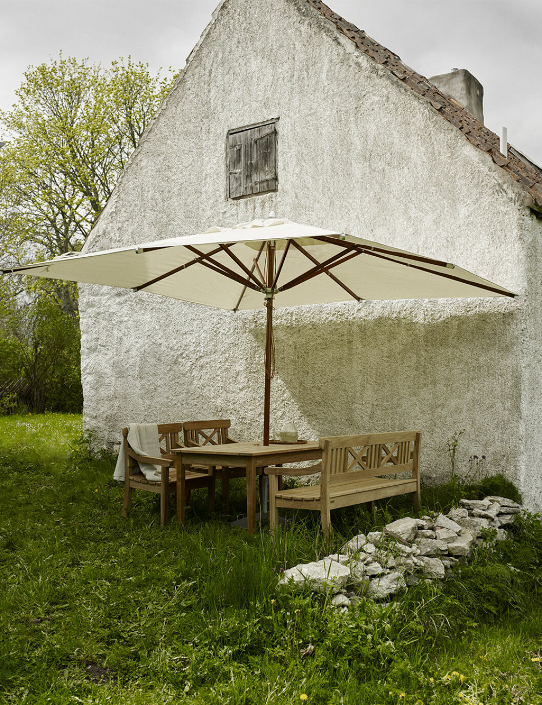 Klassiskt snyggt parasoll från Skagerak