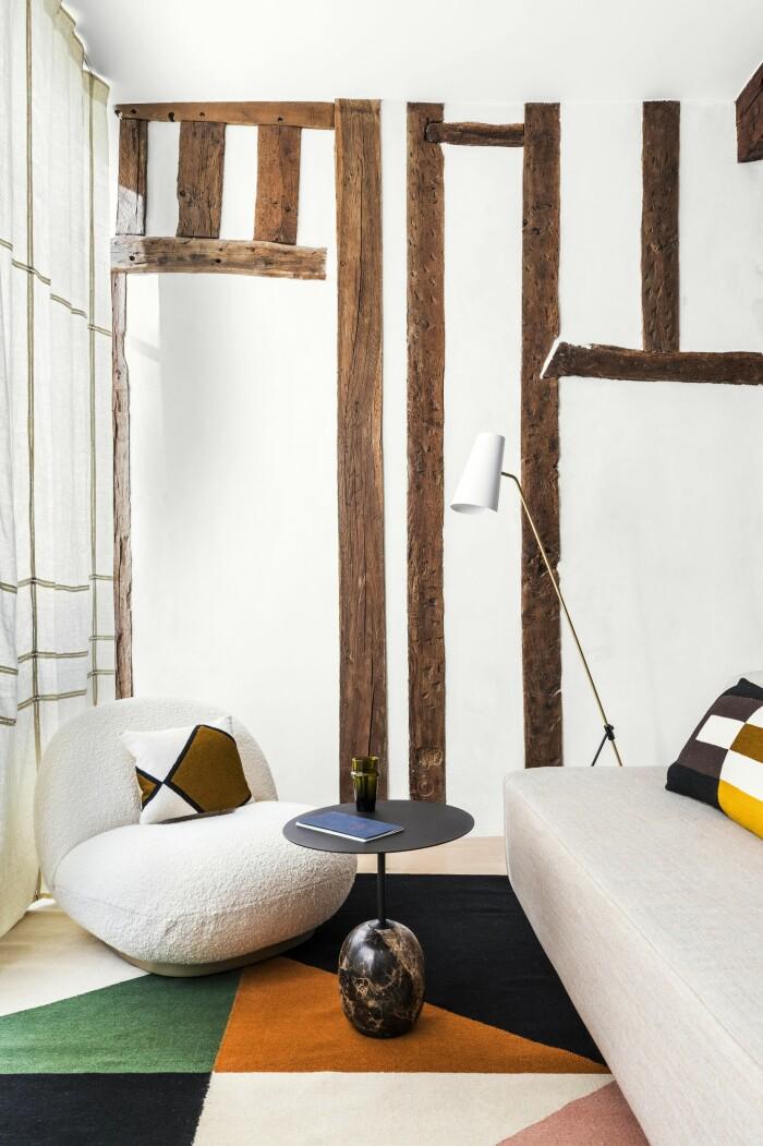 Paris 45 kvadratmeter vardagsrum fåtölj soffa
