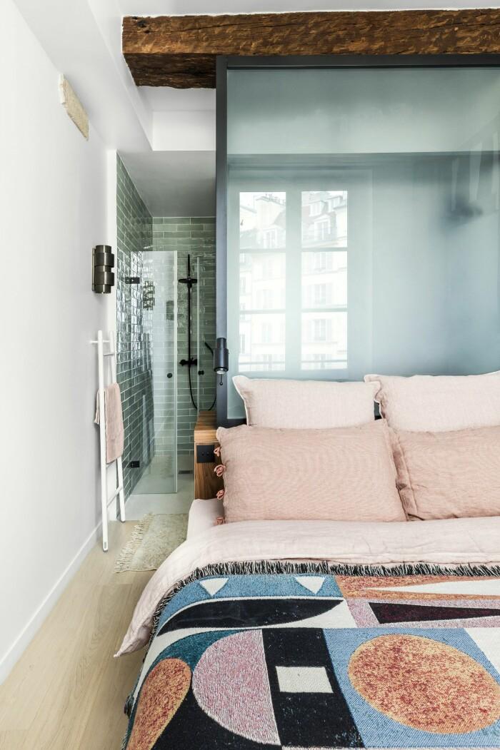 Paris 45 kvm sovrum badrum glasvägg
