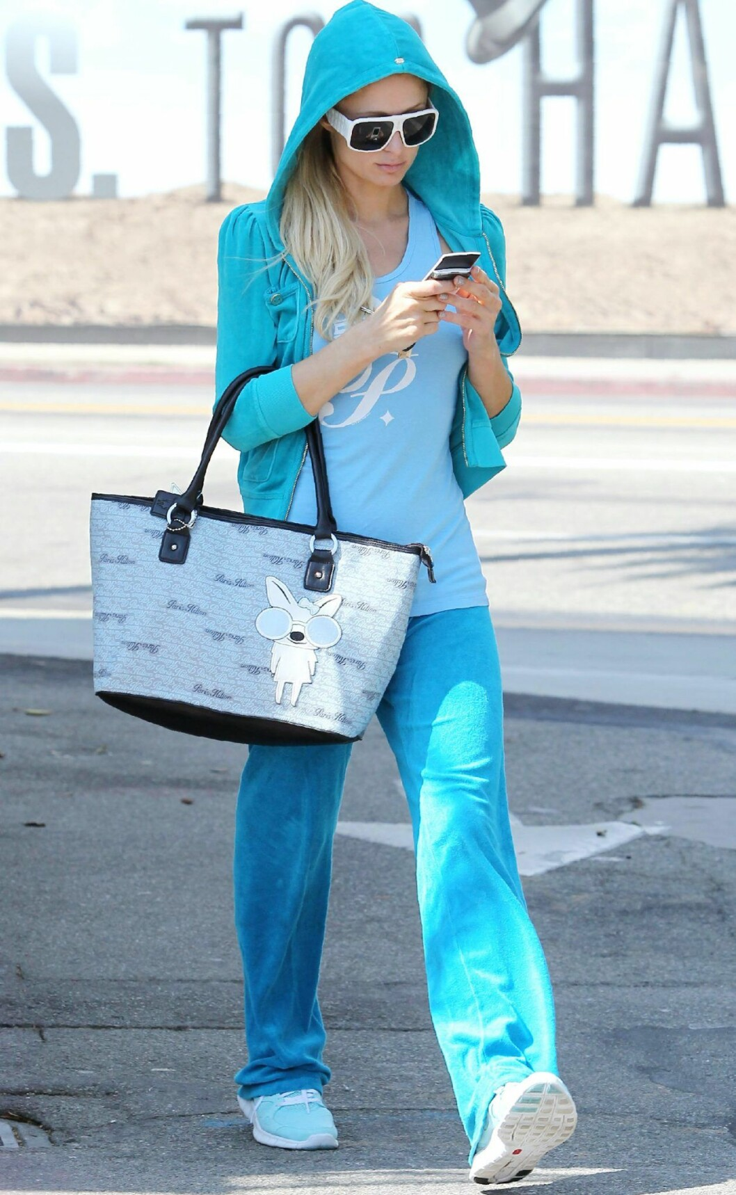 Paris Hilton i turkos juicy couture