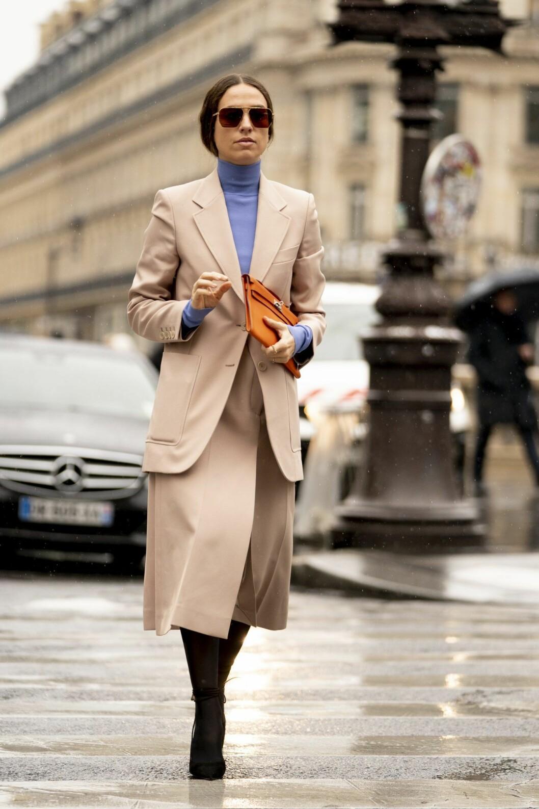 Lila polotröja Streetstyle Paris Fashion Week AW20.