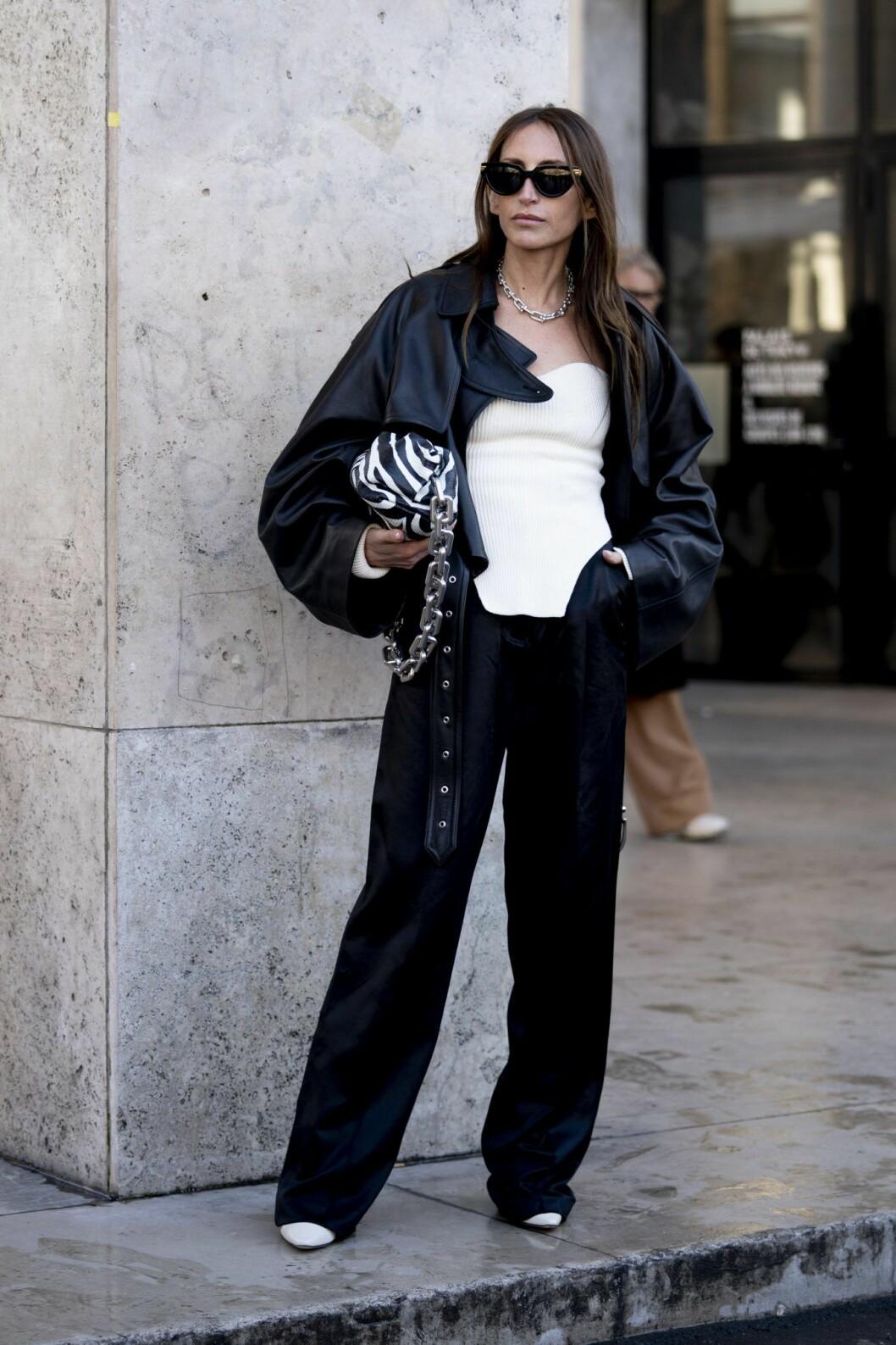 Zebramönstrad väska Streetstyle Paris Fashion Week AW20.