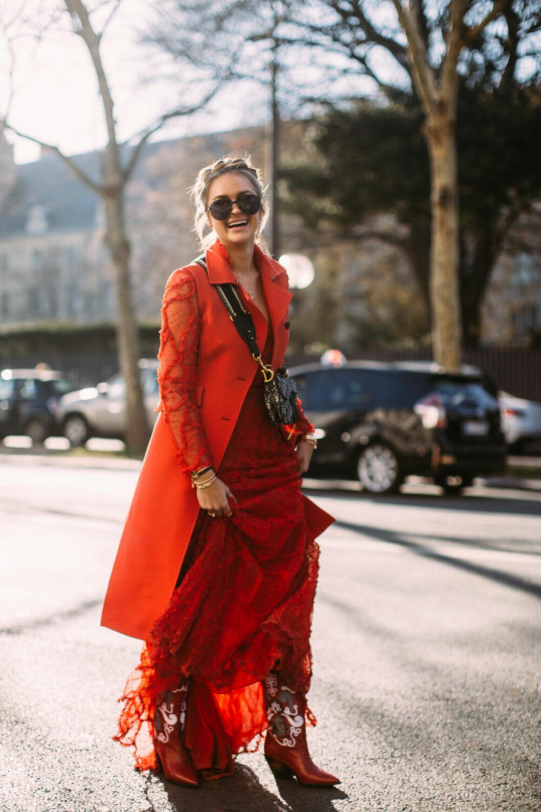 Streetstyle Paris FW, röd look från Dior.