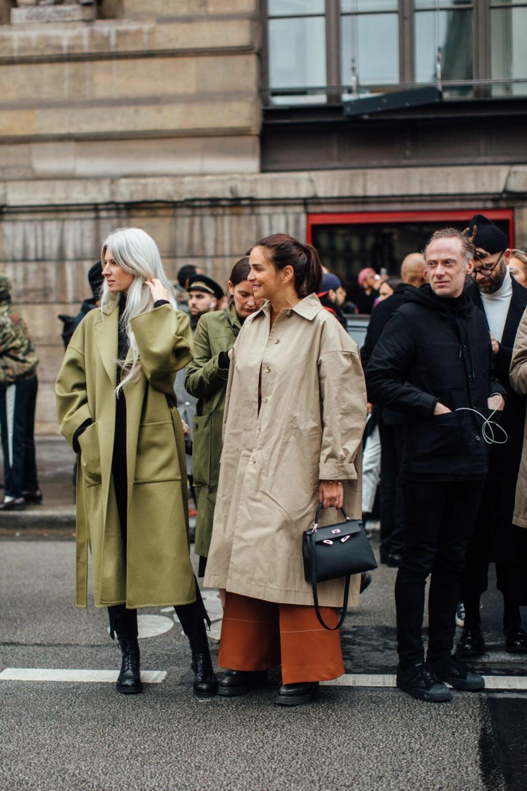 Trenchcoat Streetstyle Paris Fashion Week AW20.