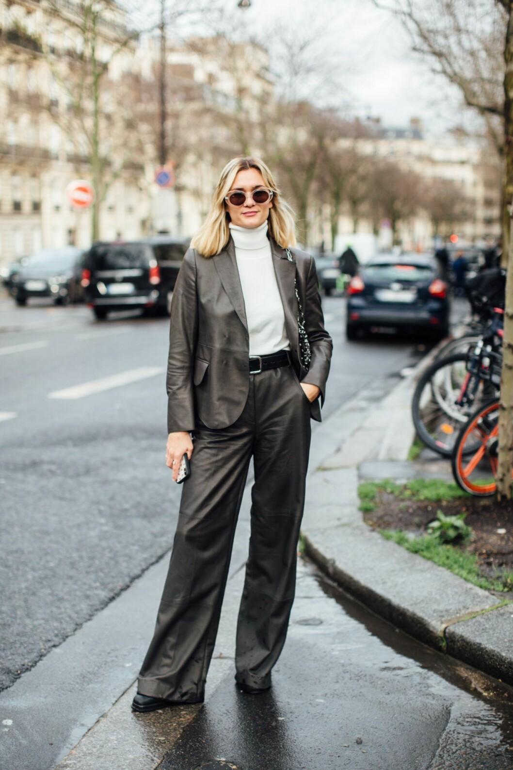 Vit polotröja Streetstyle Paris Fashion Week AW20.