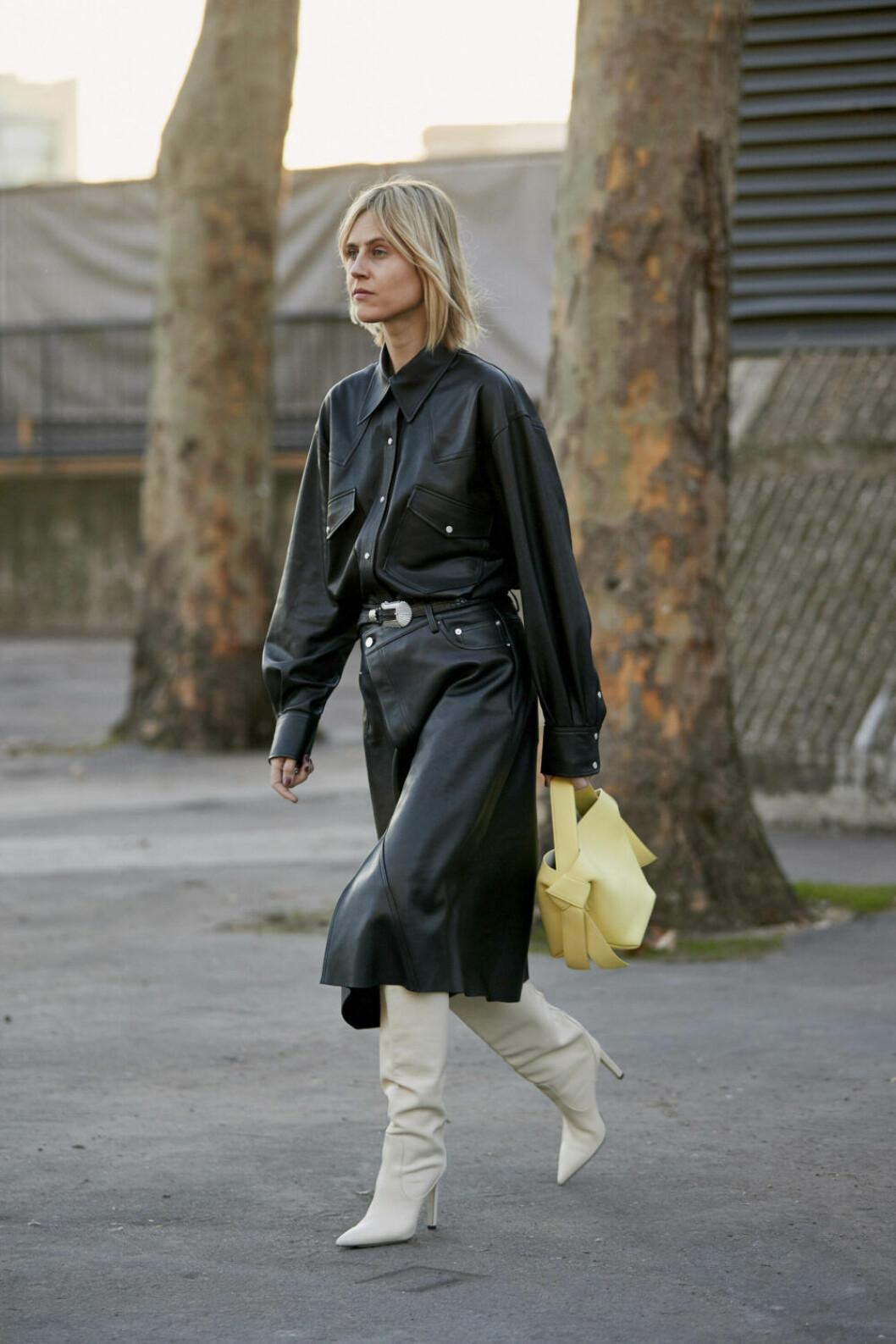 Streetstyle Paris FW, svart look i skinn.