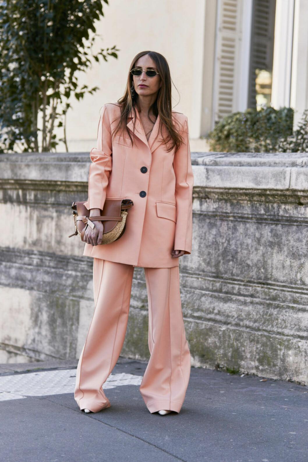 Streetstyle Paris FW rosa suit