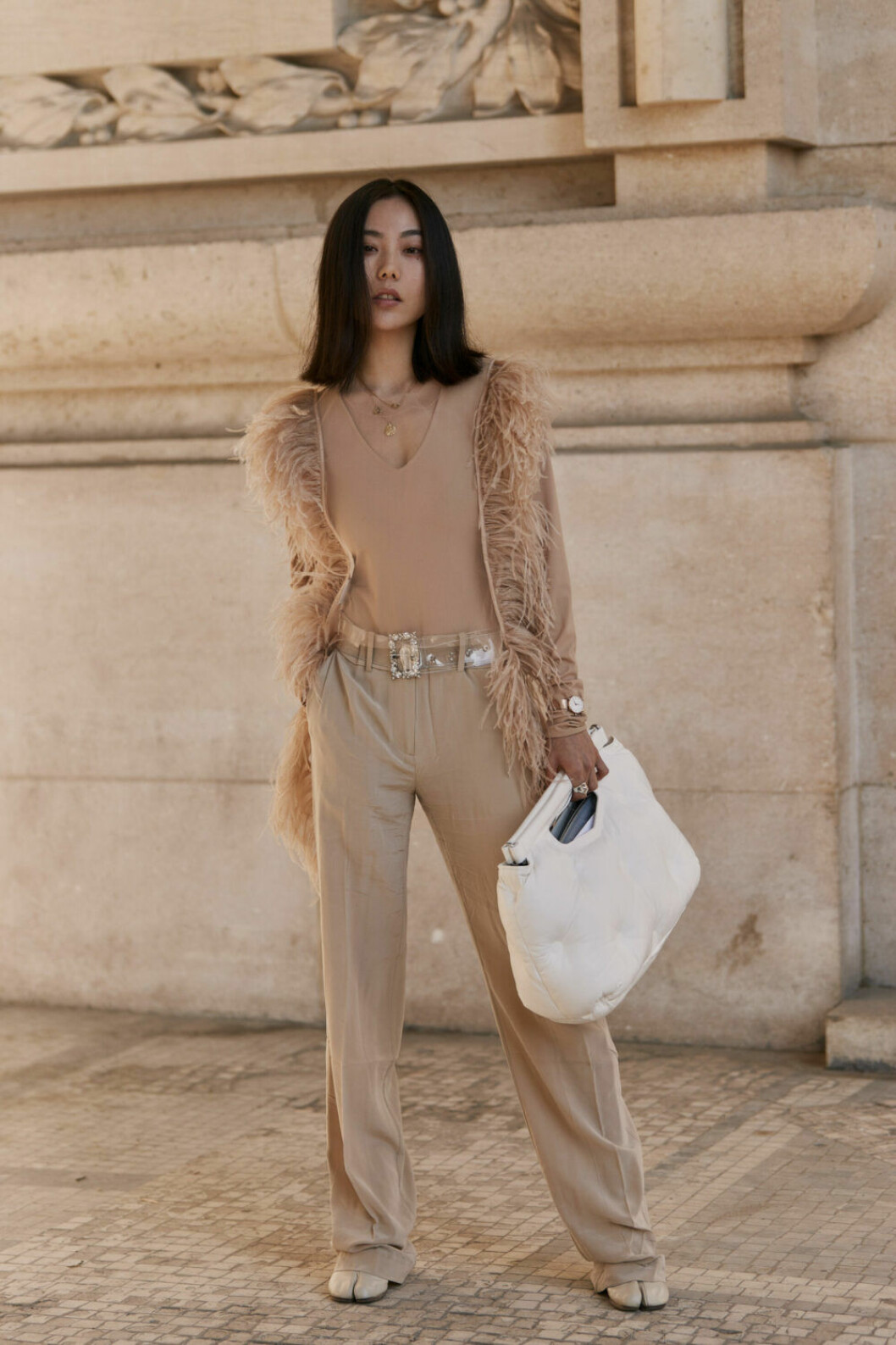 Streetstyle Paris FW, beige look.