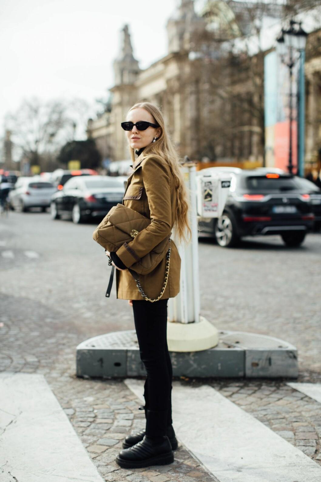 Alexandra Carl Chanels The Chanel 19