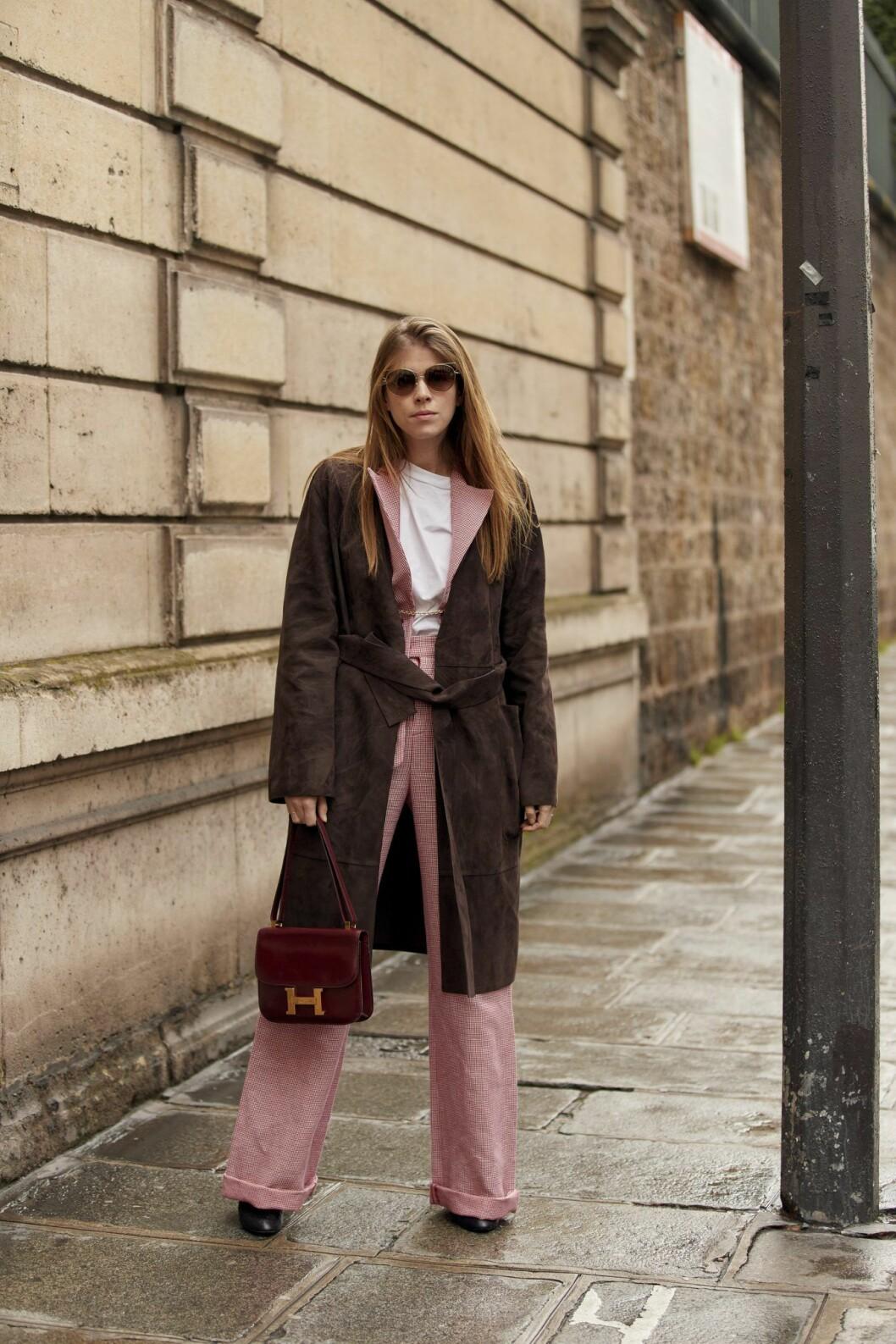 Rosa kostym Streetstyle Paris Fashion Week AW20.
