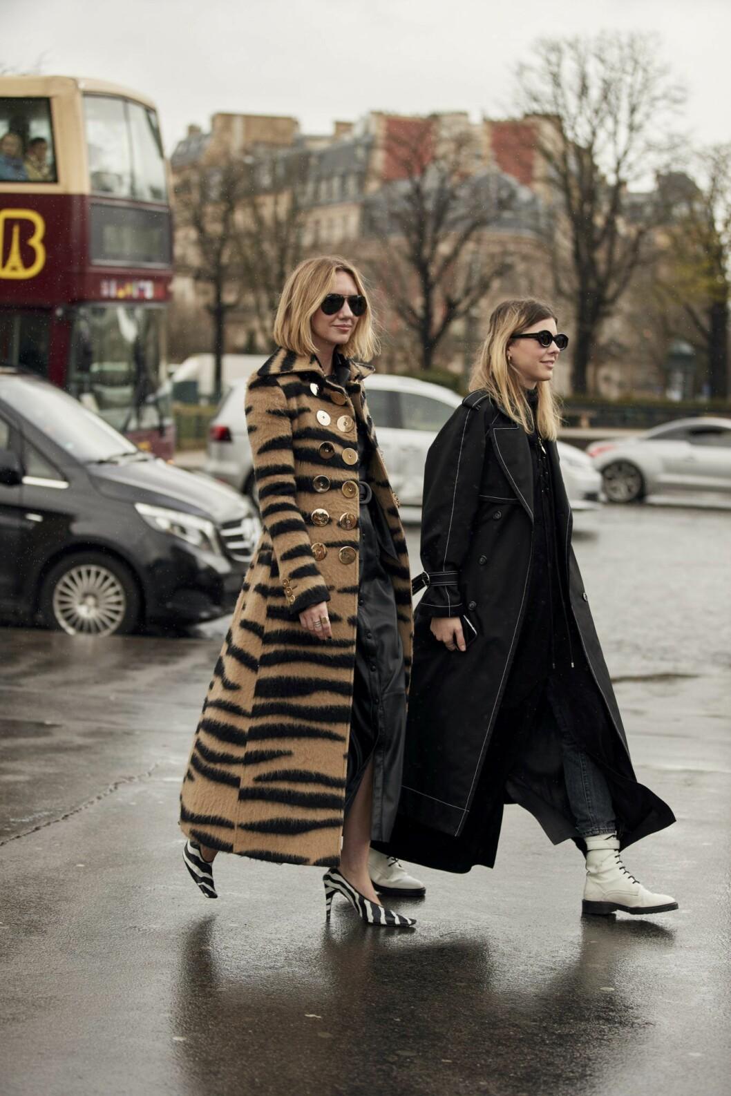 Djurmönstrad trenchcoat Streetstyle Paris Fashion Week AW20.