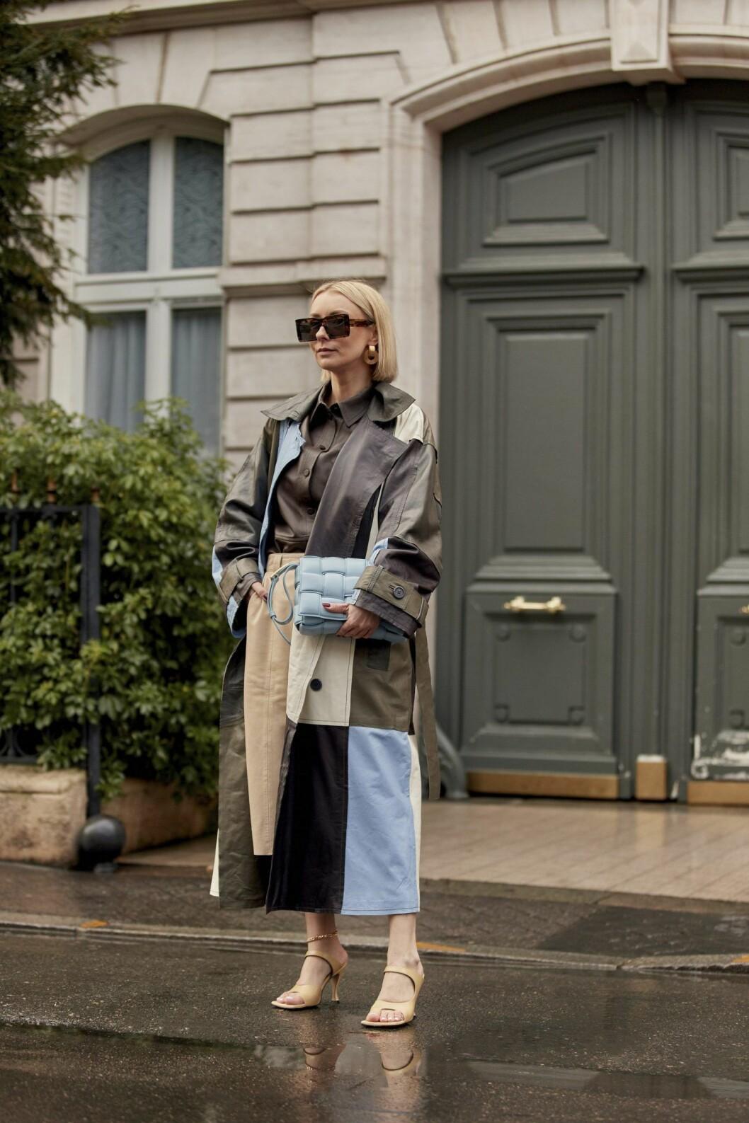 Rutmönstrad kappa Streetstyle Paris Fashion Week AW20.
