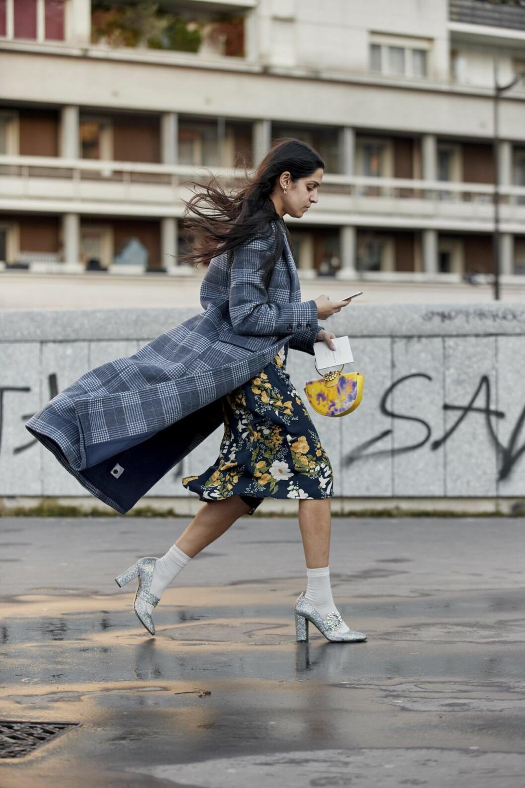Rutig kappa Streetstyle Paris Fashion Week AW20.
