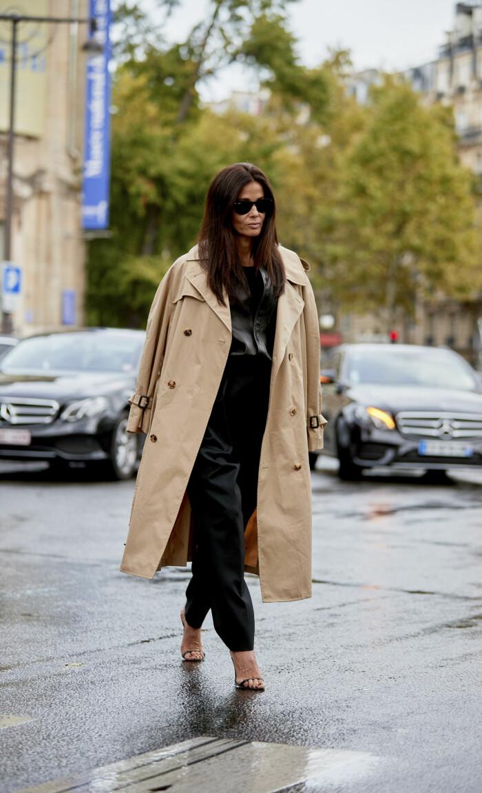 Stilsäker streetstyle-look med klackar.
