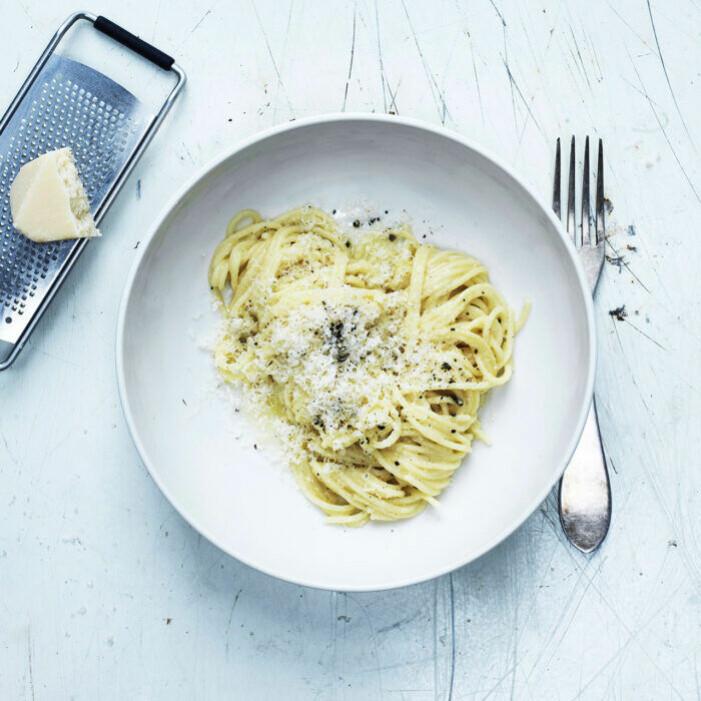 Recept på pasta cacio e pepe
