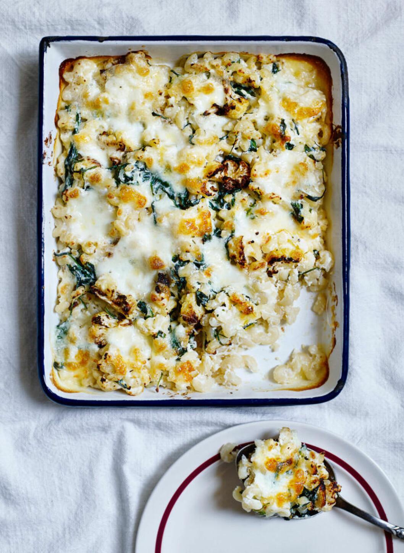 Recept på pastagratäng med blomkål och tryffel