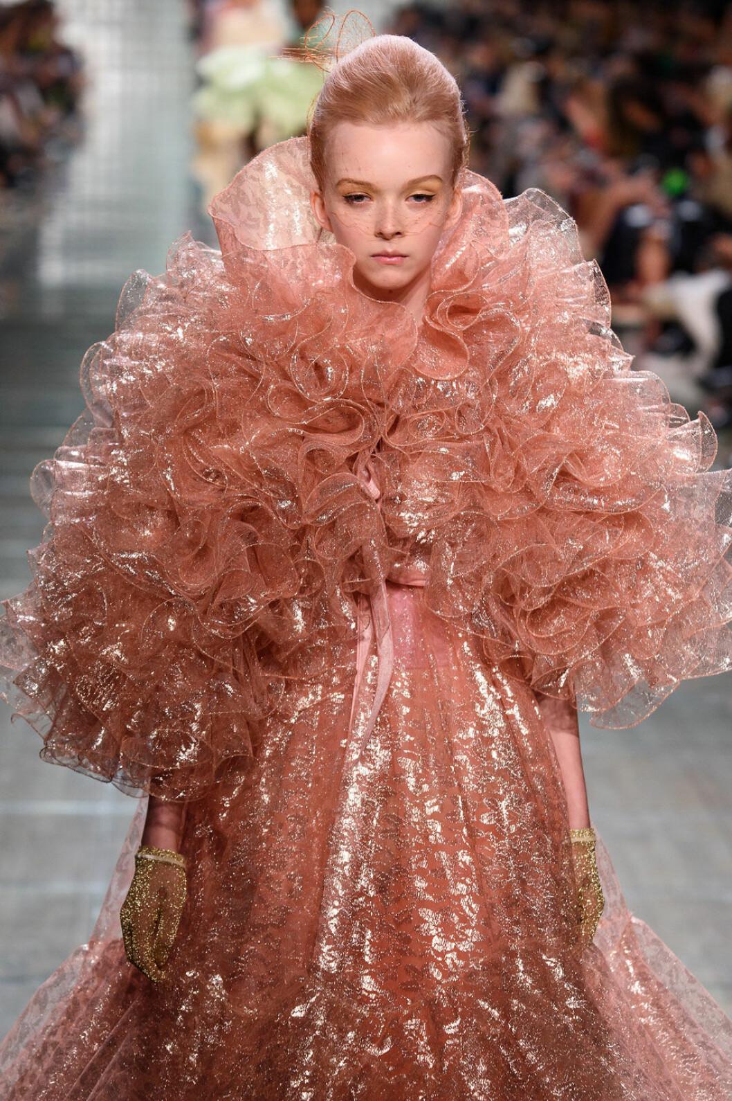 Marc Jacobs SS19, rosa och aprikos.